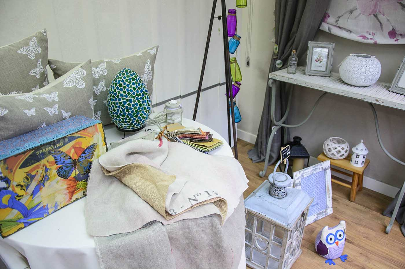 Aparador de roba de la llar i elements decoratius