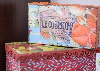 Dues caixes metàl·liques vintage de colors