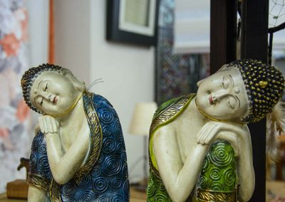 Dues figures asiàtiques decoratives