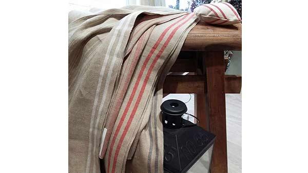 Cortinas de Lino sobre mesa