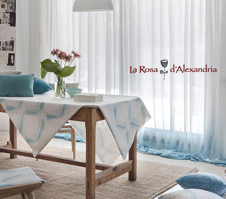 Salón con cortinas y ropa hogar de La Rosa d'Alexandría Publicidad de compra tus cortinas