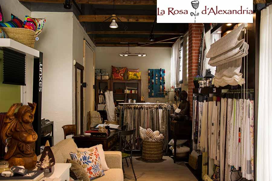 Interior de tienda de venta de cortinas