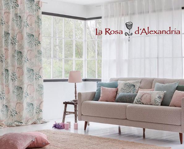 SAlón con colección de verano en textiles y cortinas